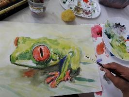 Hier wird mit Aquarellfarben ein Tier gemalt im Aquarell Malkurs in der Kunstschule Frankfurt Atelier Irene Schuh