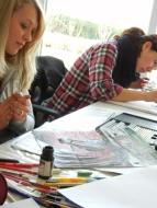 Mappenvorbereitungskurs-Teilnehmerinnen der Kunstschule FrankfurtAtelier Irene Schuh
