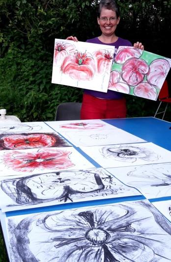 Mohnblume zeichnen mit Bleistift, Kohle und Pastell