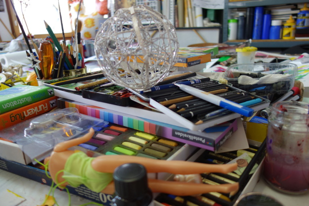 Kreativitäts-Entwicklung In der Kunstschule Frankfurt Atelier Irene Schuh. Hier entwickeln Sie Ihre  Kreativität mit fachlicher qualifizierter Unterstützung